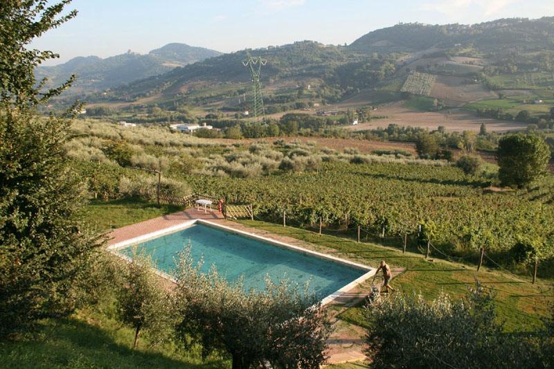 Agriturismo fiammetta montescudo montecolombo rimini - Agriturismo rimini con piscina ...