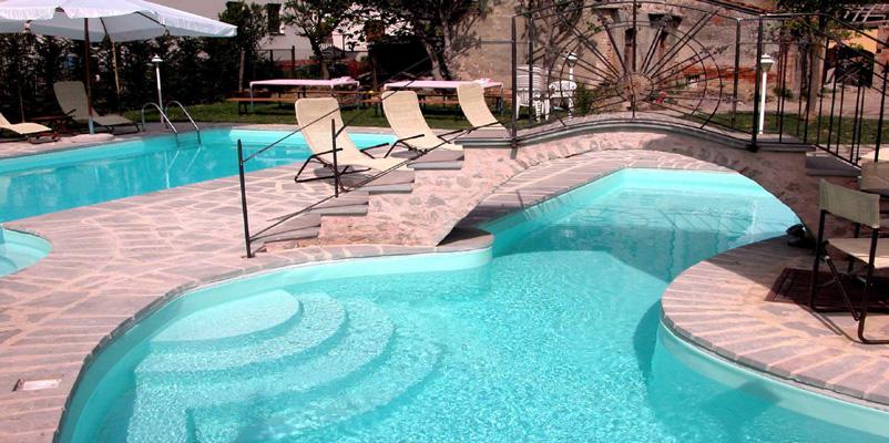 Agriturismo antico convento il biribino citt di castello perugia - Agriturismo in campania con piscina ...
