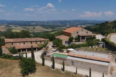 Agriturismo selvella casale ottocentesco allerona terni - Agriturismo liguria con piscina ...